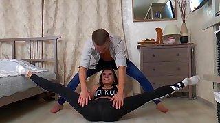 sex gymnastic with flexi teen