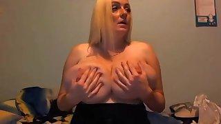 34k huge tits milf on cam