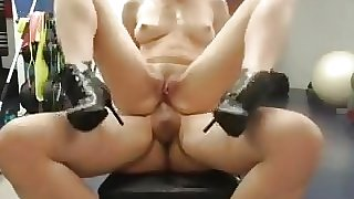 russian with big tits gets anal